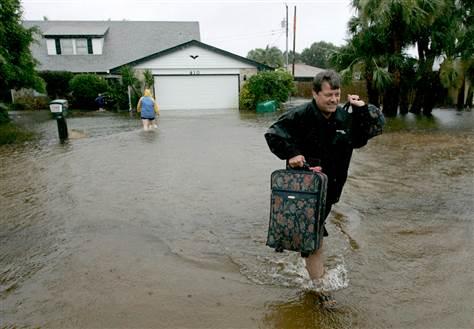 Flood Cleanup in La Habra Heights, CA (6177)